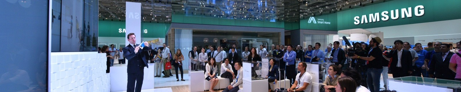 SAMSUNG EXHIBITION STAND AT IFA IN BERLIN